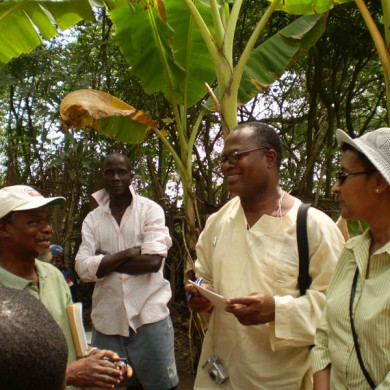 US Embassy, Accra visit Historic Kormantse excavation