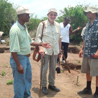 Tom Butler, Kofi with Prof. Merrick Posnansky at the Historic site