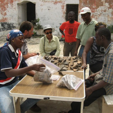 Project Director, US Embassy staff and field crew sorting artifacts - Anomabo